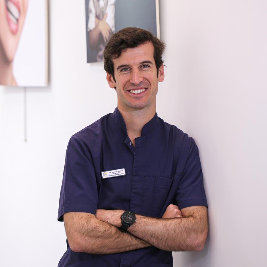 Rafael Pla Martínez, periodoncia