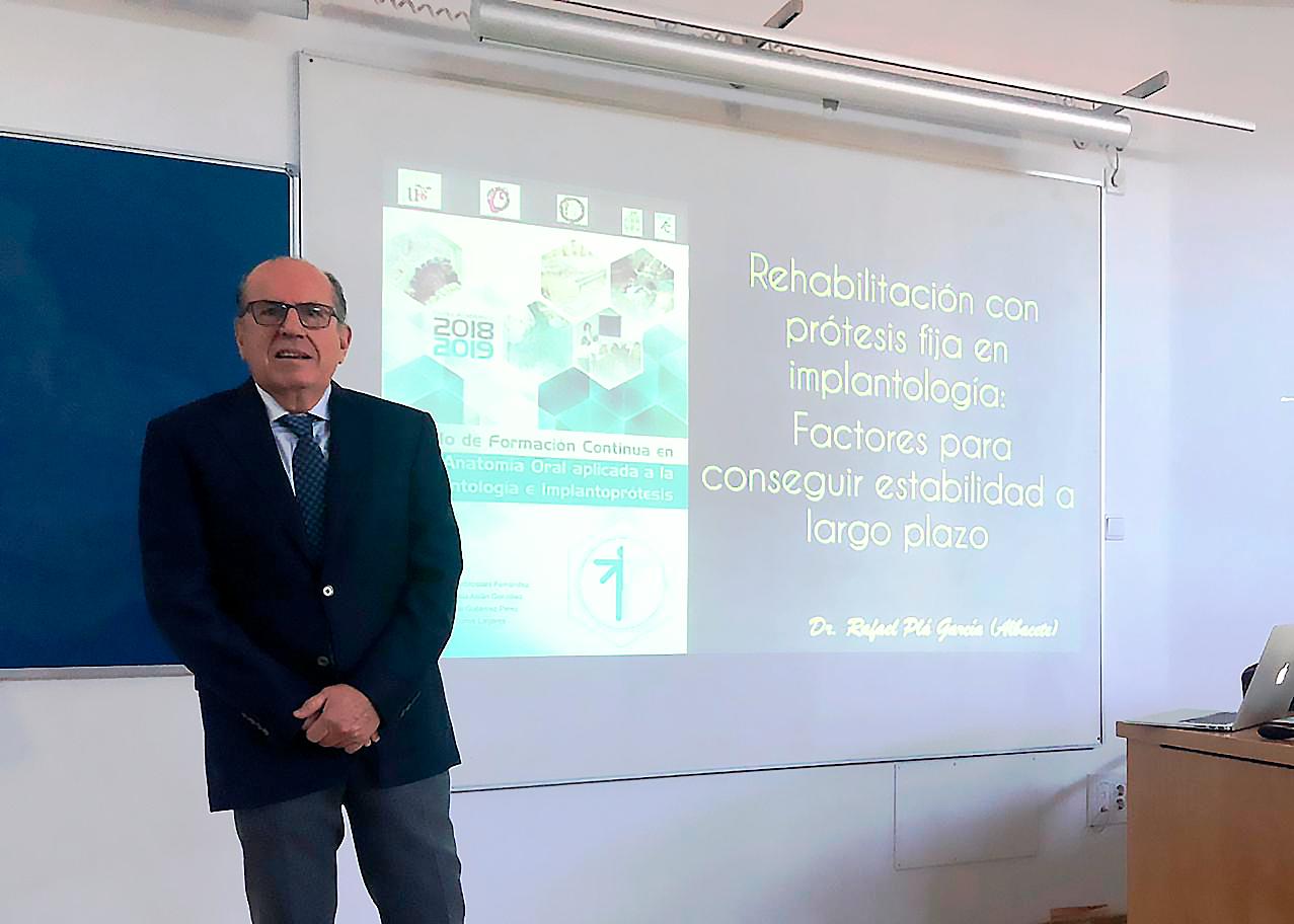 El doctor Rafael Pla en Sevilla
