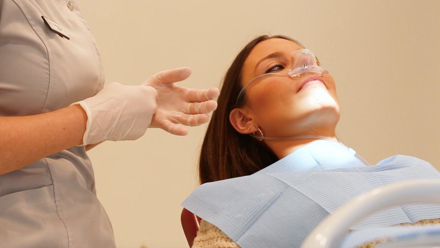 Limpieza dental con sedación consciente inhalatoria