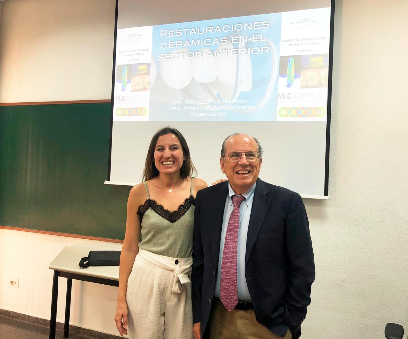 Marta y Rafael durante la formación en Valencia