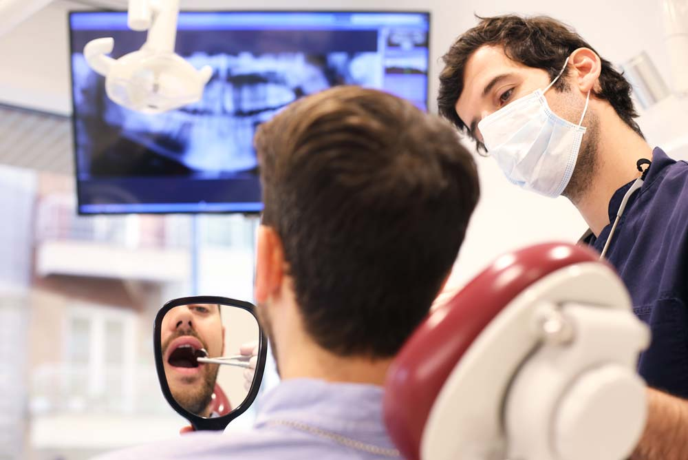 Revisión implantes dentales en la Clínica Rafael Pla